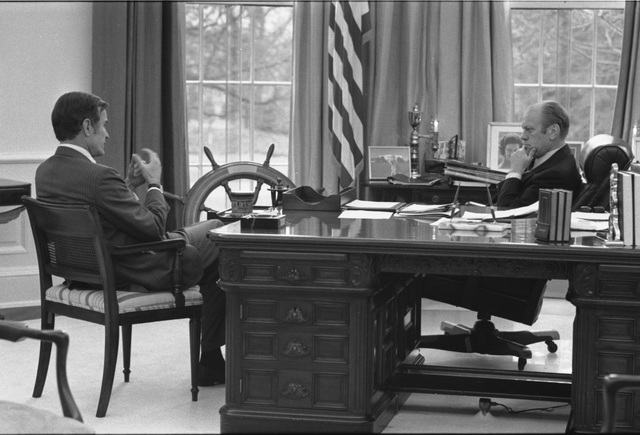 Photograph of President Gerald R. Ford Meeting with Central Intelligence Agency Director-Designate George Bush in the Oval Office