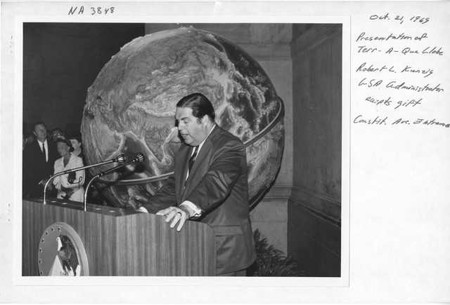 Photograph of the Presentation of the Terr-A-Qua Globe