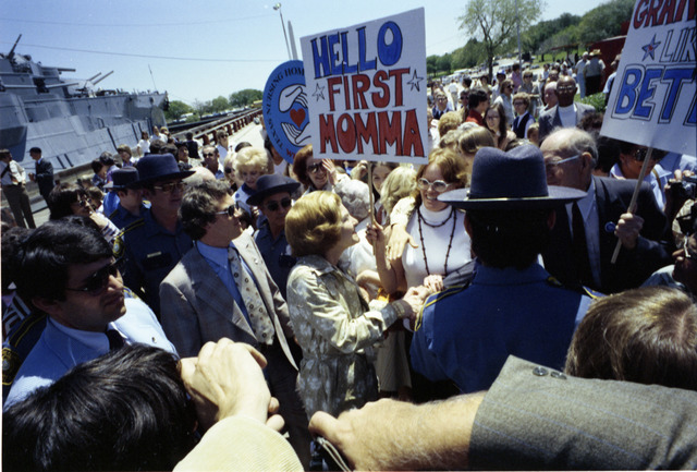 """On a Campaign Trip in Texas First Lady Betty Ford, aka """"First Momma,"""" Greets the Crowd Gathered at San Jacinto Battlefield Park for a Bicentennial Celebration"""