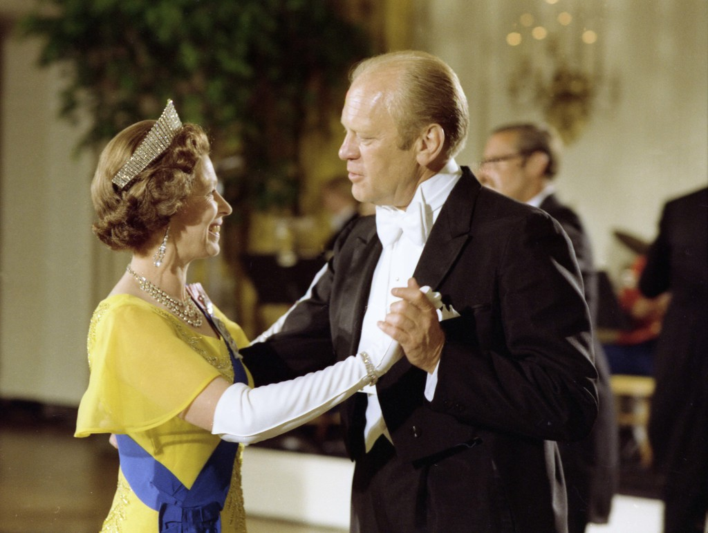 Photograph of President Gerald Ford Dancing with Queen Elizabeth II during a State Dinner Held in Her Honor