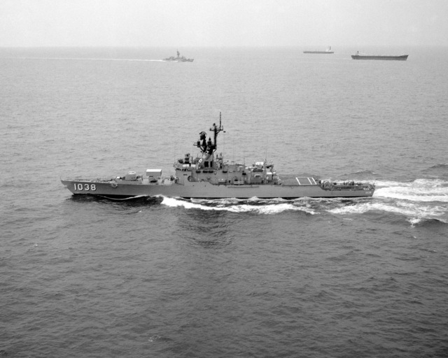 A port beam view of the frigate USS MCCLOY (FF 1038) underway off the coast of Norfolk, Virginia (VA)