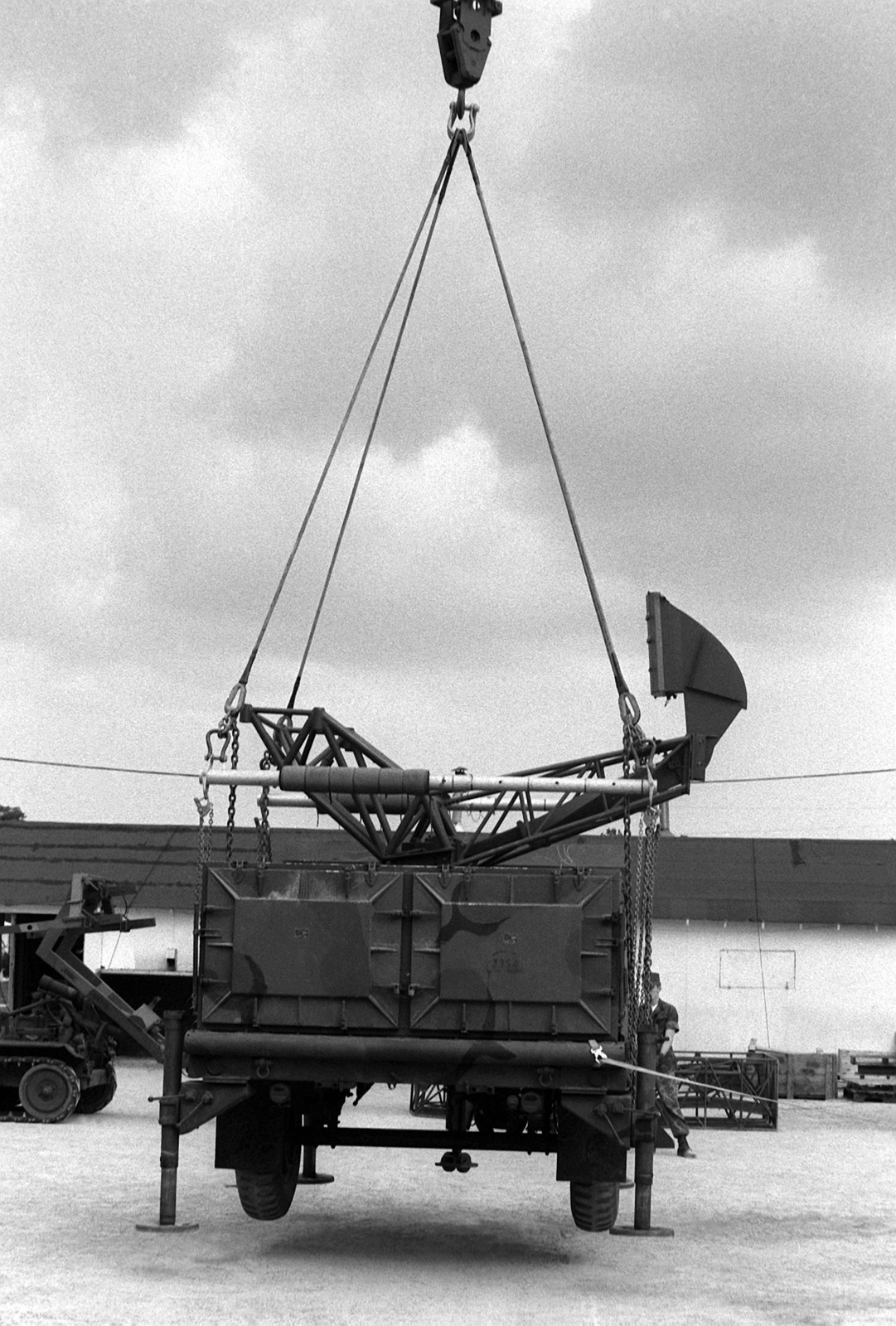One of the radar sets from the Light Anti-Armor Missile