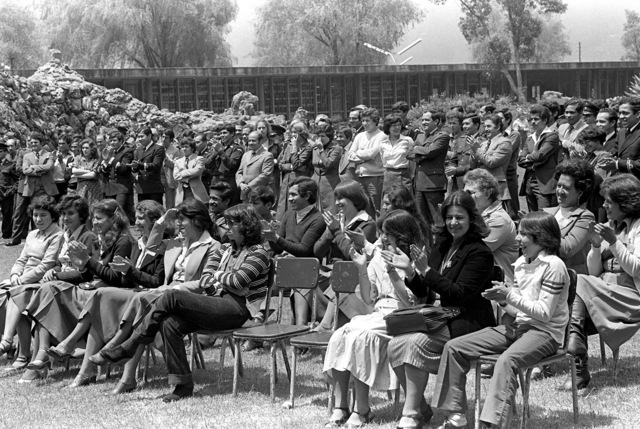 An audience enjoys the performance of the Navy show band during exercise Unitas XX