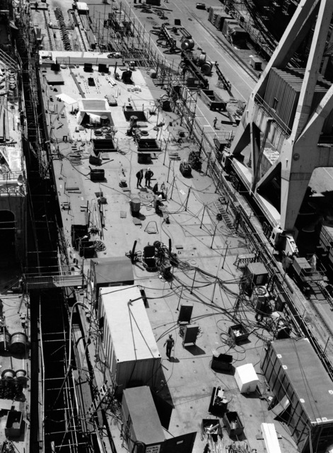An aerial view of the guided missile frigate USS ESTOCIN (FFG 15) under construction