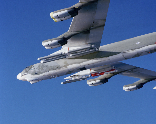 A left side view of a B-52 Stratofortress aircraft carrying AGM-109 Tomahawk air-launched cruise missiles