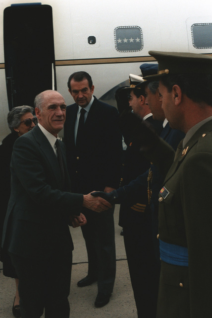 LGEN Emiliano J. Afalro of Spain is welcomed upon his arrival in the United States for a visit. Joint Chiefs of STAFF Chairman GEN David C. Jones is in the background