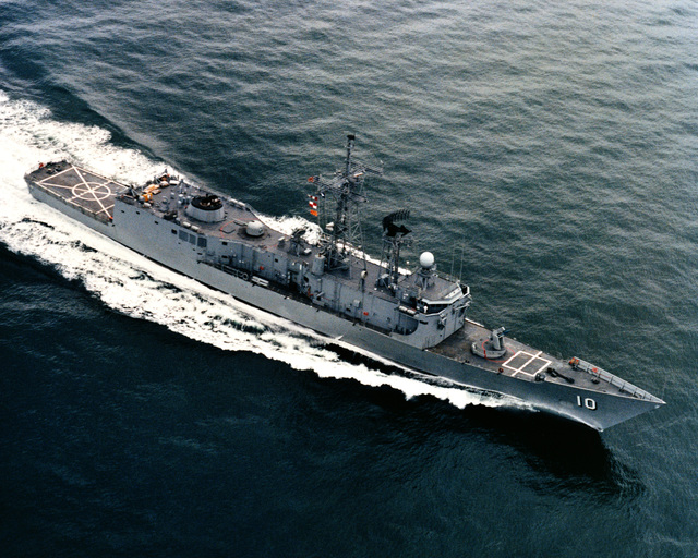 An aerial starboard bow view of the guided missile frigate DUNCAN (FFG 10) as Todd Pacific Shipyards Corporation conducts sea trails