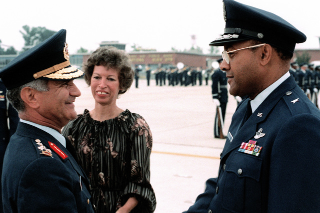 GEN Sahinkaya, commander of the Turkish air force is greeted by BGEN Archer Durham upon his arrival for a visit