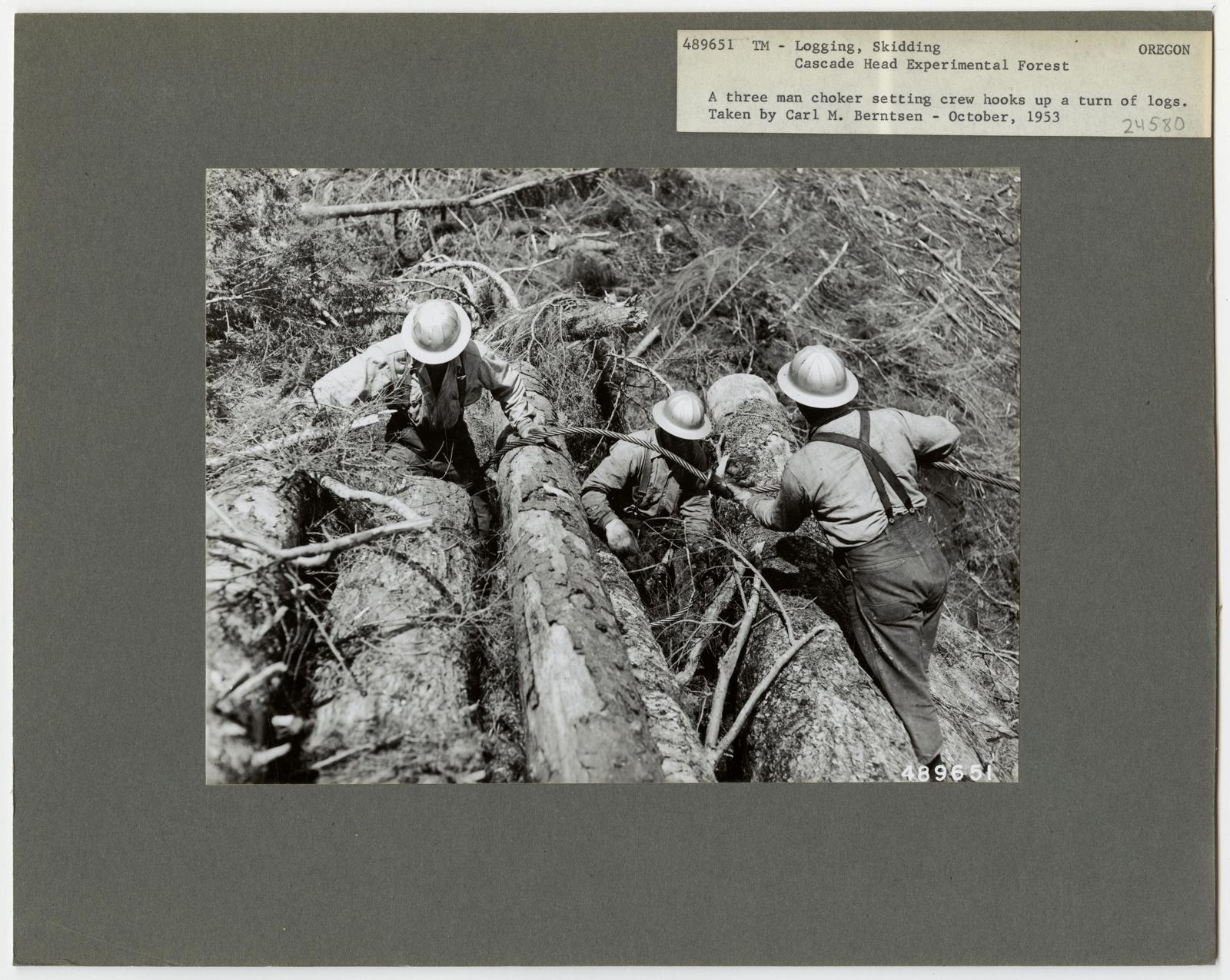 Logging: High Lead Log Skidding - Oregon
