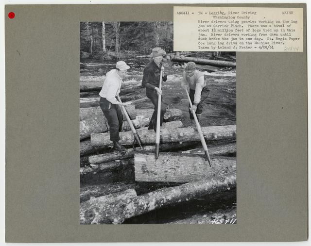 Logging: Transportation: Log Drive - Maine
