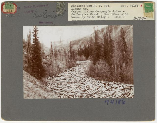 Logging: Transportation: Log Drive - Wyoming
