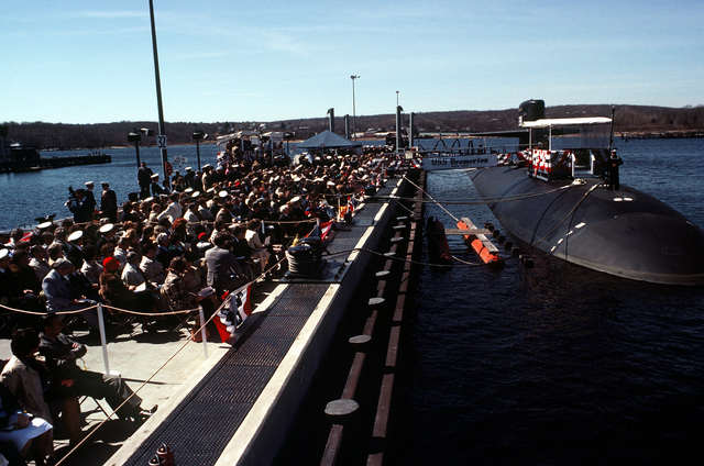 An overall view of commissioning ceremonies taking place for the nuclear-powered attack submarine USS BREMERTON (SSN-698)