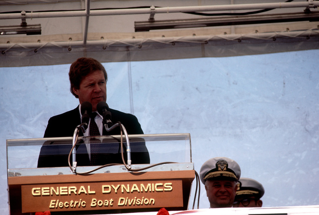 Rep Norman D. Dicks, D-Washington, speaks at commissioning ceremonies for the nuclear-powered attack submarines USS BREMERTON (SSN-698)