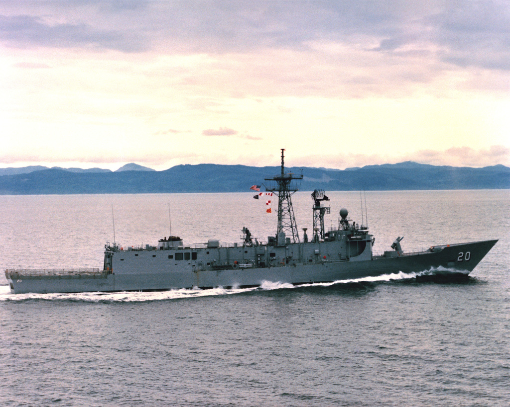 An aerial starboard beam view of the guided missile frigate ANTRIM (FFG-20) as Todd Pacific Shipyards Corporation conducts sea trials
