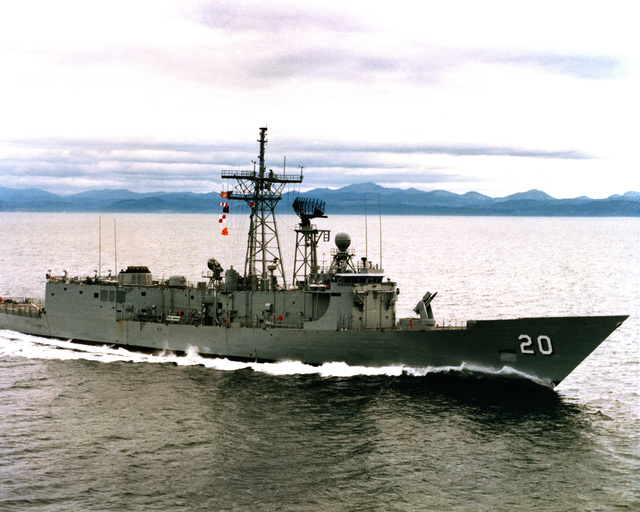 An aerial starboard side view of the guided missile frigate ANTRIM (FFG-20) as Todd Pacific Shipyards Corporation conducts sea trials