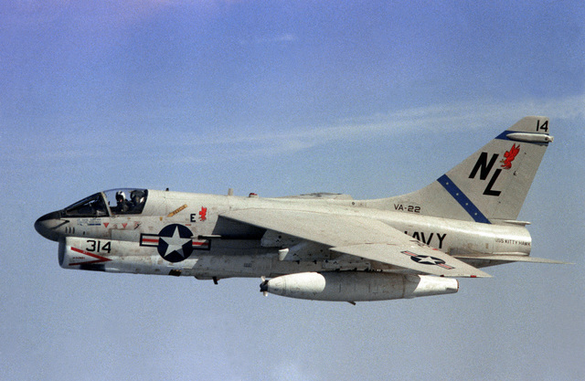 An in-flight left side view of an A-7E Corsair II aircraft, from Attack Squadron 22 (VA-22), assigned to Carrier Air Wing 15 (CVW-15) embarked aboard the aircraft carrier USS KITTY HAWK (CV-63)