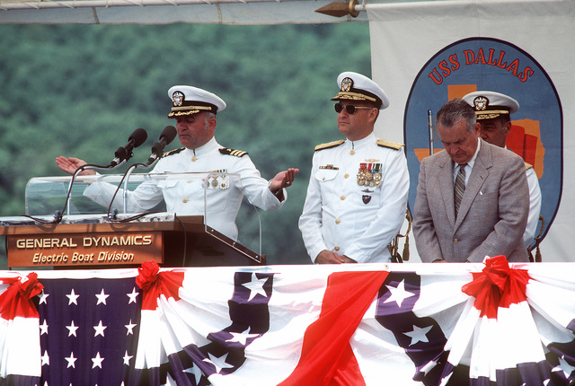 Chaplain (CMDR.) R.C. Mellett gives the invocation during the commissioning of the nuclear-powered attack submarine USS DALLAS (SSN-700)