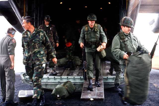 Members of the 101st Airborne Division from Fort Campbell, Kentucky, arrive at auxiliary field 6 during exercise BOLD EAGLE '82