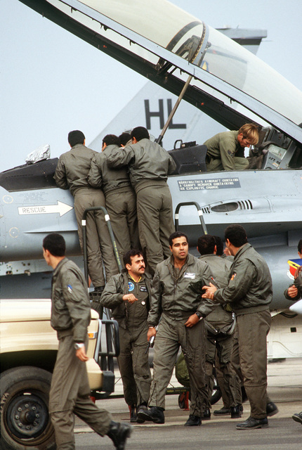 Egyptian troops look at an F-16 Fighting Falcon that has just arrived for Exercise Bright Star '82