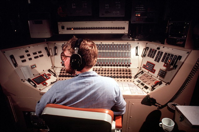 Missile Technician 1ST Class (Submarines) (MT1) (SS) Bruce Gelinas sits at a control room console and participates in a simulated missile firing aboard the nuclear-powered ballistic missile submarine OHIO (SSBN-726). The submarine built by General Dynamics Corp., carries TRIDENT C-4 (UGM-96) submarine-launched ballistic missiles (SLBM)