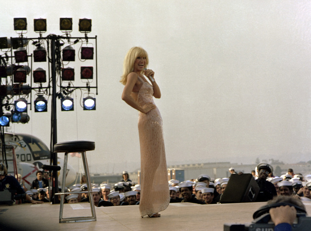Suzanne Somers entertains the crew aboard the aircraft carrier USS RANGER (CV-61)