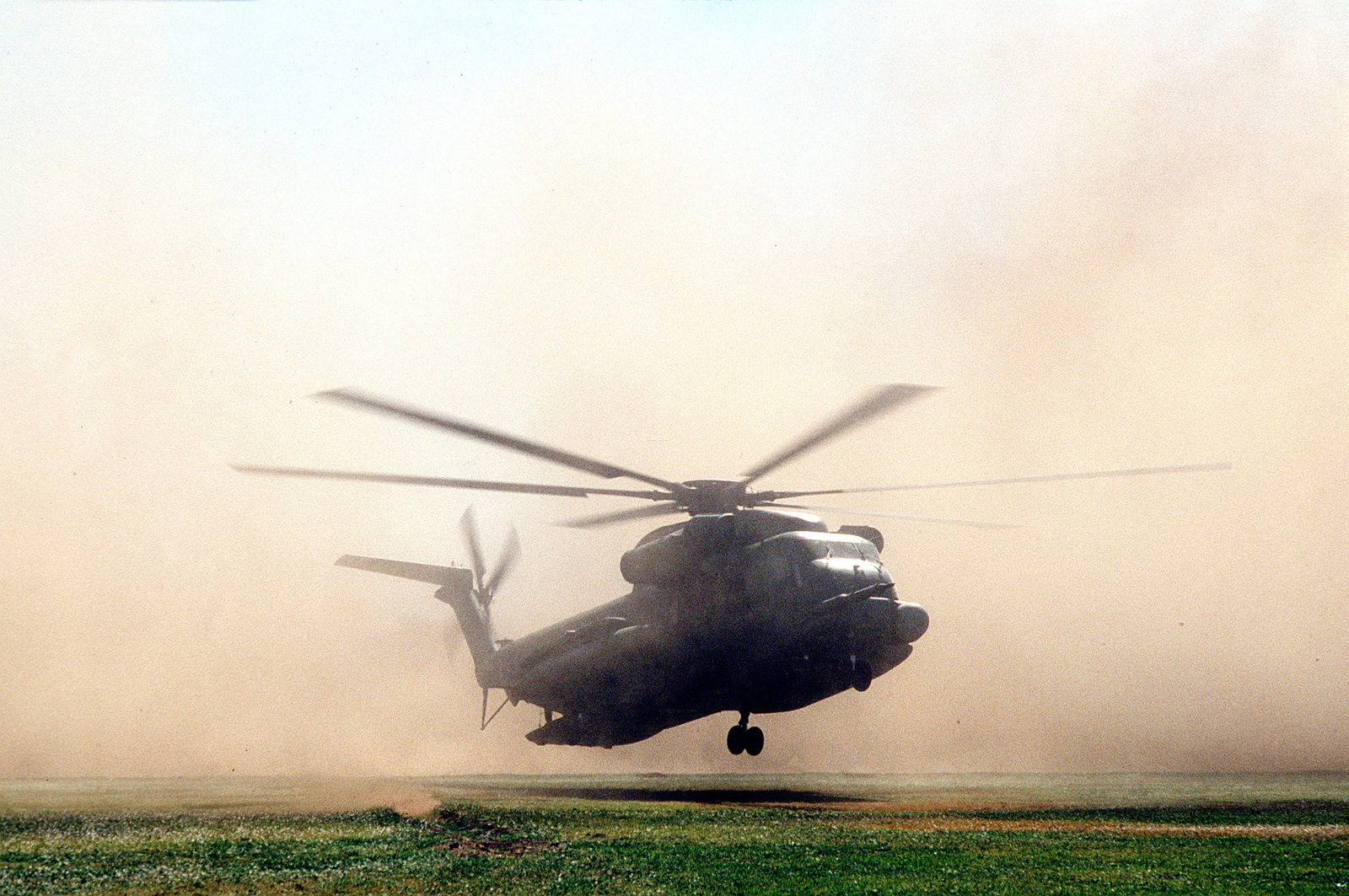 A right front view of an HH-53 helicopter as it lands during BRIGHT STAR '82, an exercise involving troops from the US, Egypt, Sudan, Somalia and Oman