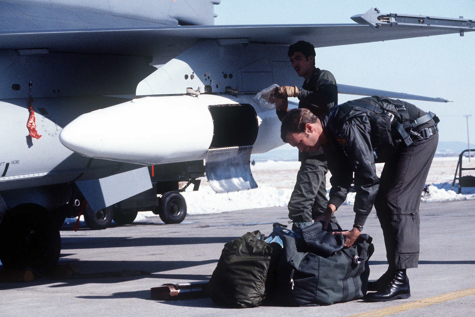 cpt-tony-yount-unloads-his-gear-from-a-t
