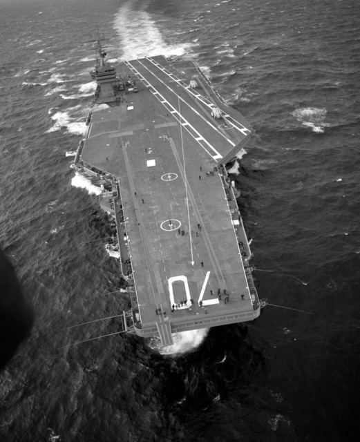 A bow-on view of the nuclear-powered aircraft carrier USS CARL VINSON (CVN-70) underway
