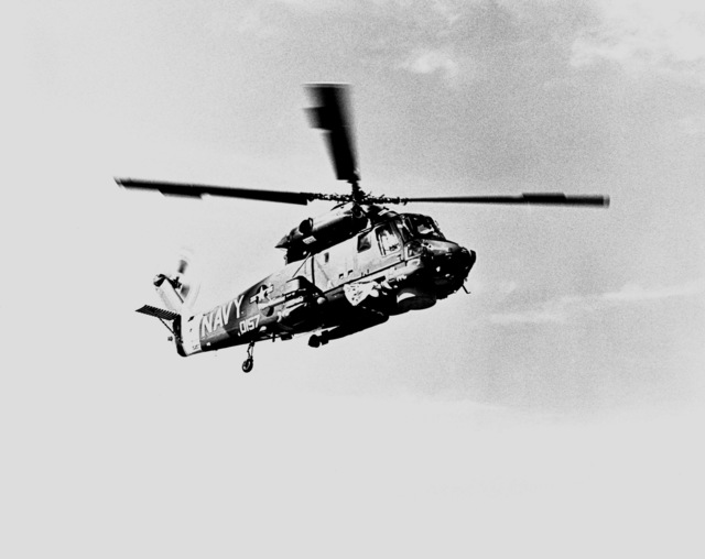 Right side view of an SH-2F Seasprite Mark 1 Light Airborne Multi-Purpose System (LAMPS) helicopter in flight
