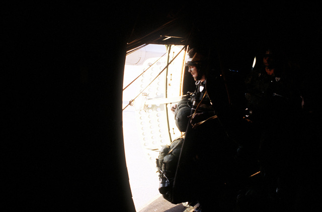 Members of the 82nd Airborne Division aboard a C-141B Starlifter aircraft prepare for a jump during Exercise Gallant Eagle '82