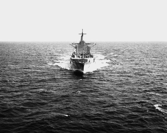 A bow view of the fleet oiler USS WILLAMETTE (AO-180) underway