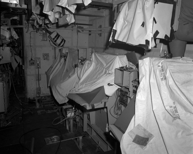 A view of the combat information center aboard the Spruance class destroyer HAYLER (DD-997) at 70 percent completion