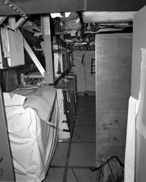 A view of the facilities control (FACON) room aboard the Spruance class destroyer HAYLER (DD-997) at 70 percent completion