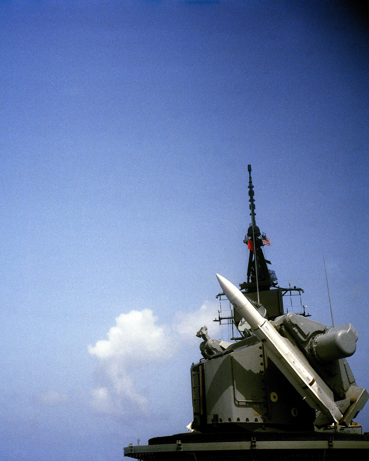 An SM-1 Standard missile is launched from the guided missile destroyer USS SAMPSON (DDG 10) near the Atlantic Fleet Weapons Training Facility (ATWTR), Puerto Rico