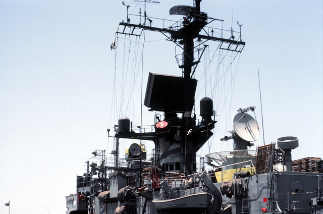 A view of the AN/SPP-51C (circular), AN/SPS-52D (large block) and AN/SPS-10F radar aboard the Brooke class guided missile frigate USS RAMSEY (FFG-2)