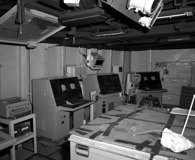 A view of the combat information center aboard the Spruance class destroyer HAYLER (DD-997), at 80 percent complete