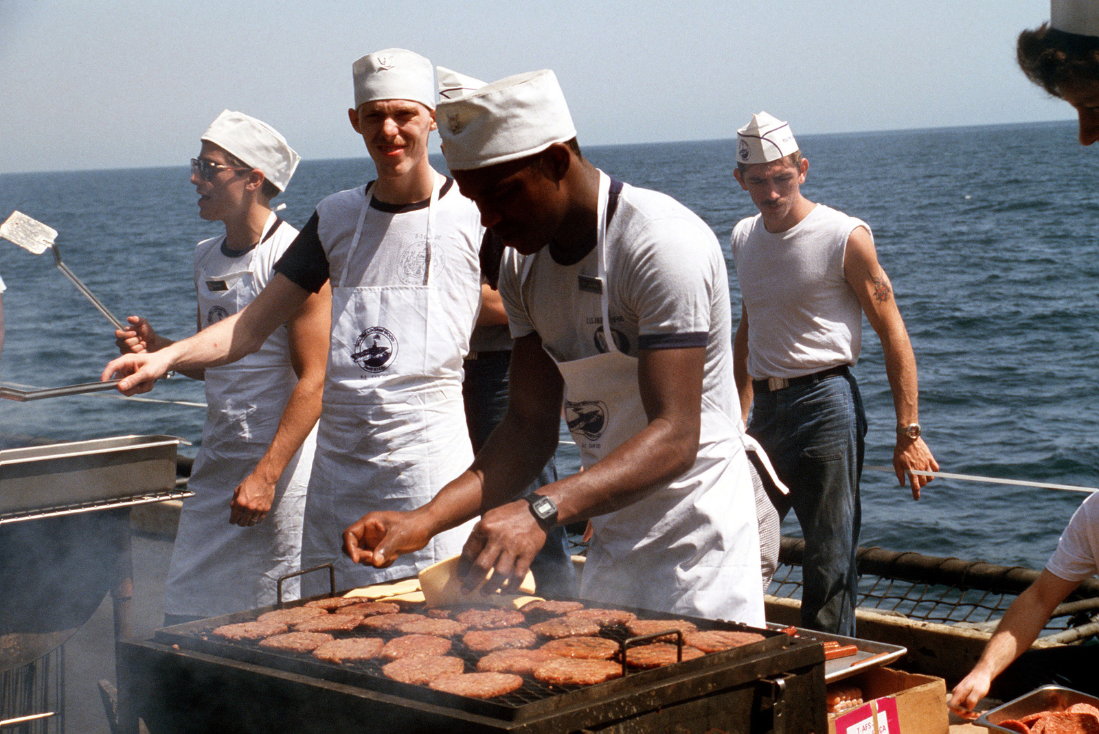 mess-management-specialist-prepare-food-for-a-picnic-aboard-the-aircraft-carrier-1a93b2-1600.jpg