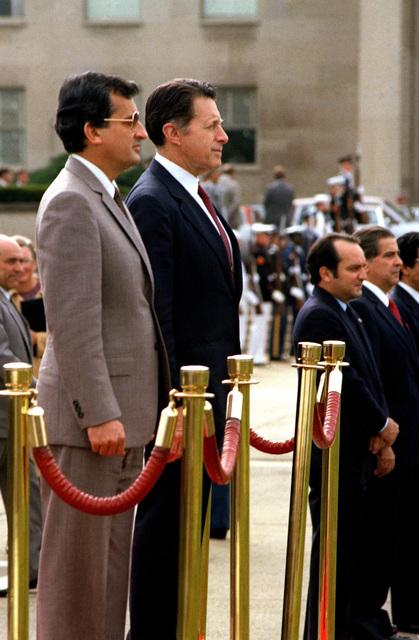 Secretary of Defense, Caspar Weinberger, welcomes Panamanian President Ricardo de la Espriella to the Pentagon during an armed forces full hornor arrival ceremony