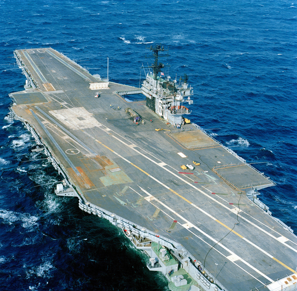A port quarter view of the aircraft carrier USS SARATOGA (CV-60) underway
