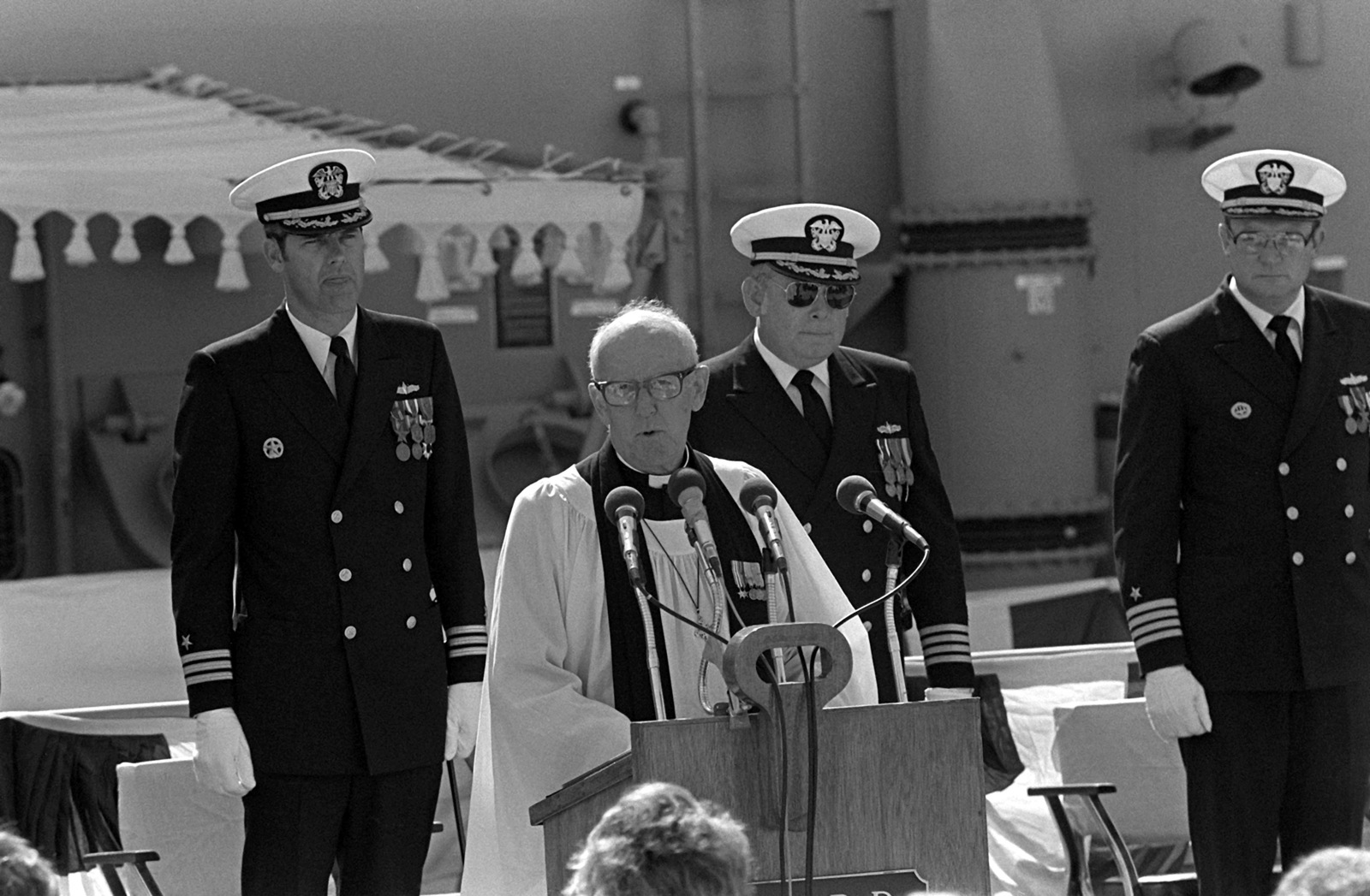 The Rev. John S. Horner leads the guests in prayer during commissioning ceremonies for the guided missile frigate USS REID (FFG-30)