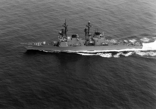Aerial port beam view of the Spruance class destroyer USS FIFE (DD-991) underway