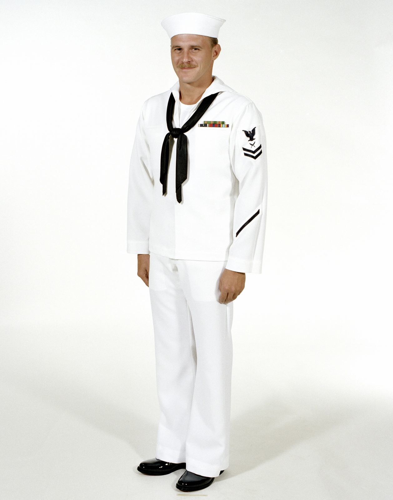 Us Navy Enlisted Dress White Uniform - Ideal Home Furniture