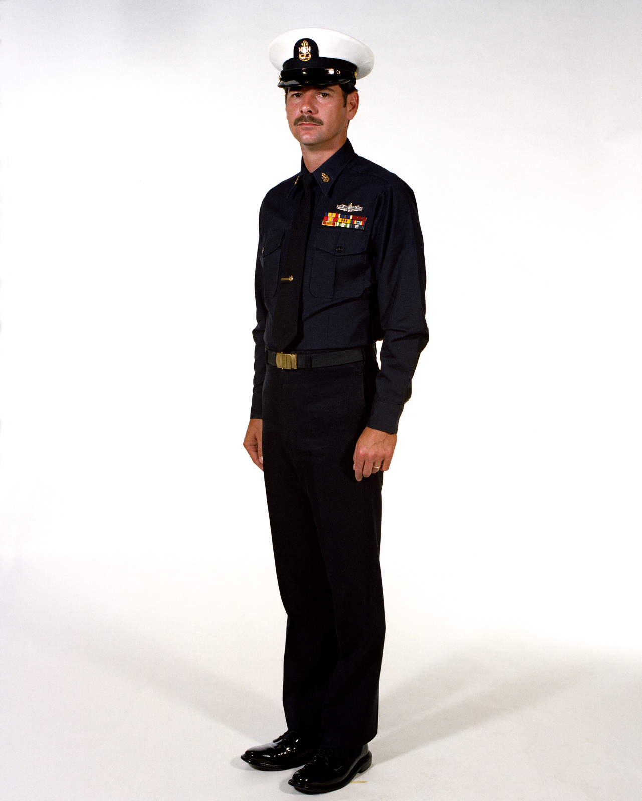 uniform winter blue male navy chief petty officers u s. Black Bedroom Furniture Sets. Home Design Ideas