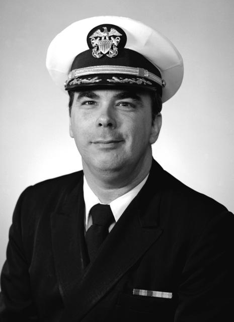CDR Glennon K. McFadden, USNR-R (covered)