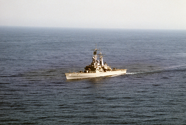 A port bow view of the nuclear-powered guided missile cruiser USS VIRGINIA (CGN 38) underway