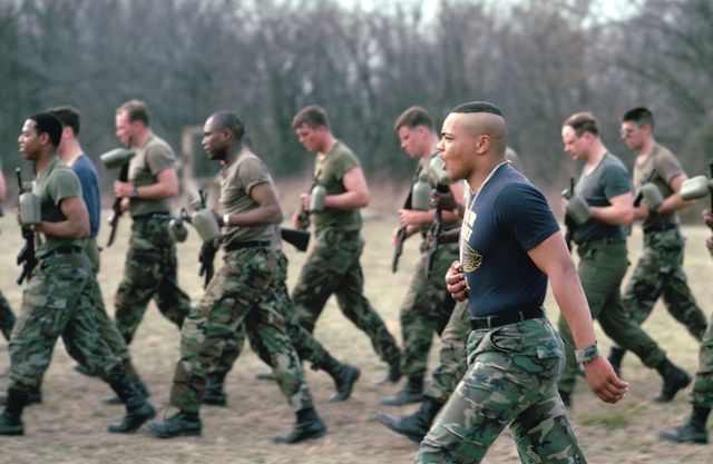 Infantrymen undergo physical training at the Army Air Assault School