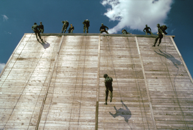 Soldiers train in rappelling procedures at the Army Air Assault School. (Substandard image)