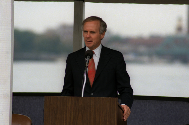A distinguished guest speaks during the commissioning of the nuclear-powered attack submarine USS PORTSMOUTH (SSN 707)