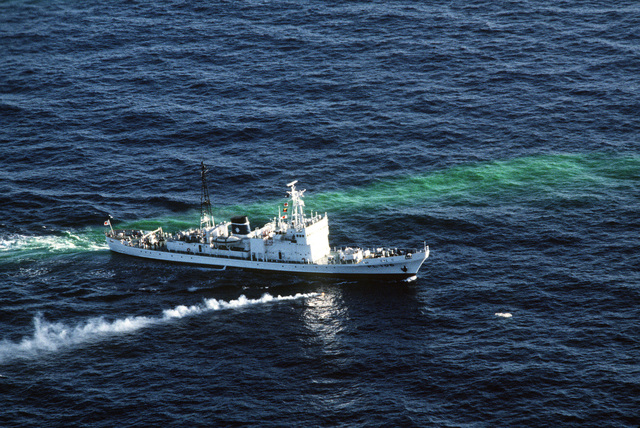 An aerial starboard bow view of the Japanese Maritime Safety Agency Shiretoko class large patrol vessel RISHIRI (PL 106). The vessel is participating in recovery operations for downed Korean Airlines Flight 007, shot down by a Soviet aircraft when it entered Soviet airspace