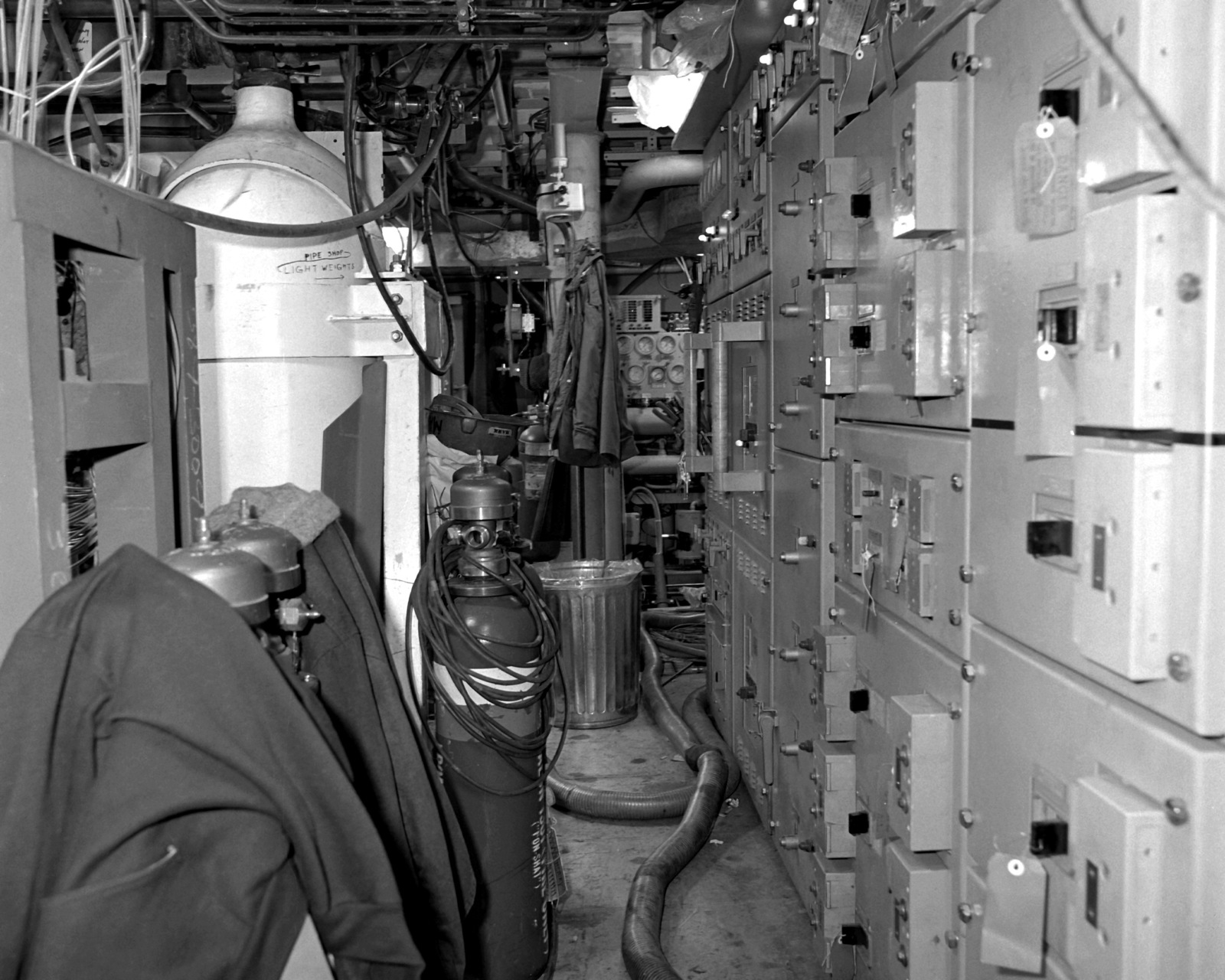 The upper level auxiliary machinery room No. 2 aboard the guided missile frigate ROBERT G. BRADLEY (FFG-49). The ship is at 80 percent completion
